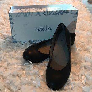 Abella black flats scalloped edge new with box 7.5